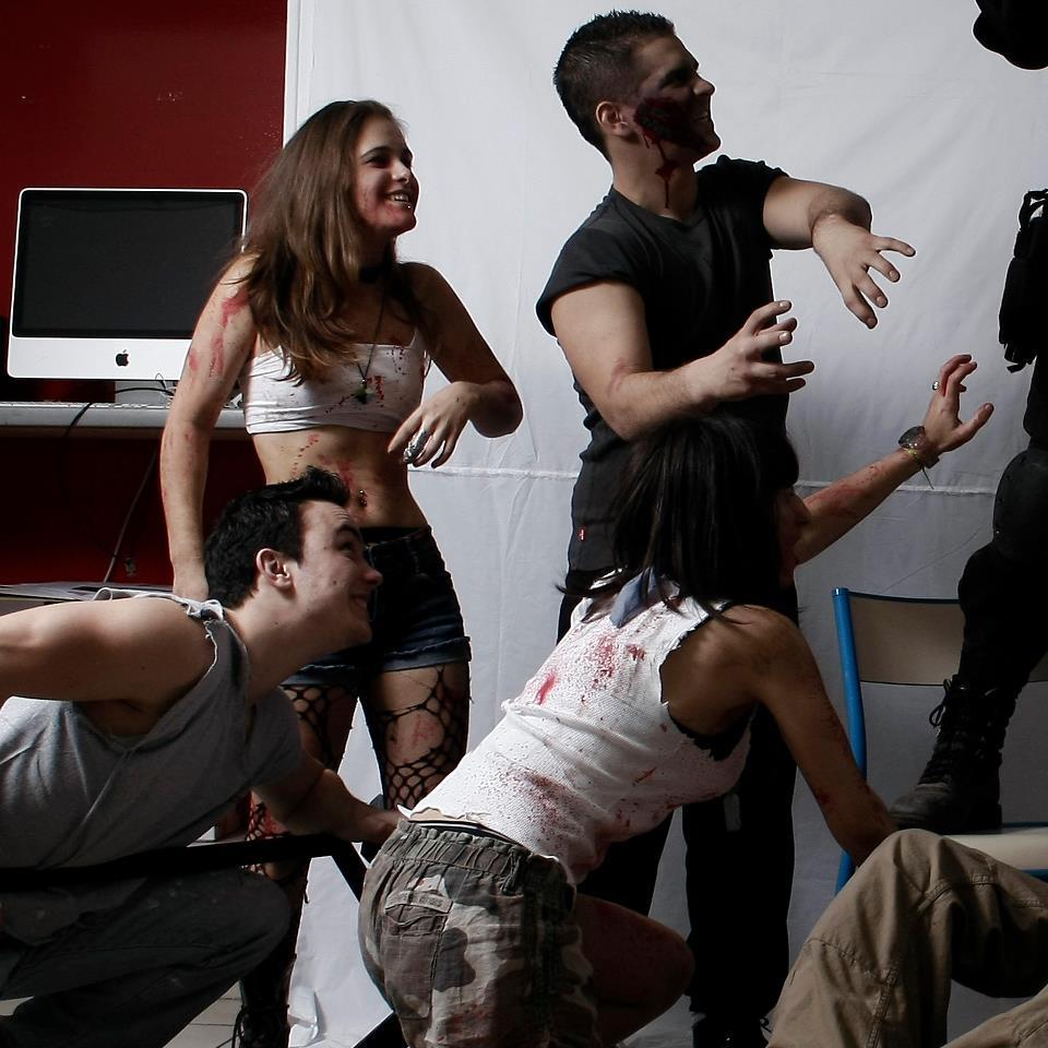 making of de 4 zombies lors de la séance photo de la liberté guidant le peuple © Kevin Amiel